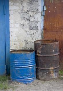 barriles viejos de tambor