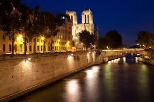 París-sur-Seine crepúsculo Francia