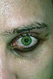 ojos verdes, intensos