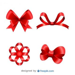 Lazos rojos navideños elaborados en conjunto