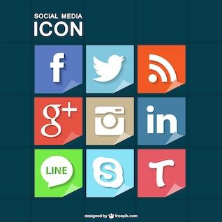Iconos de redes sociales con textura de papel