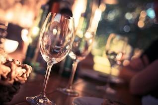 Vidrio para vino foto gratis