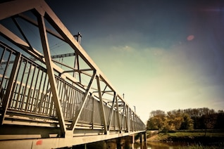 Puente de acero foto gratis