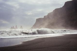 Rocas místicas y agua
