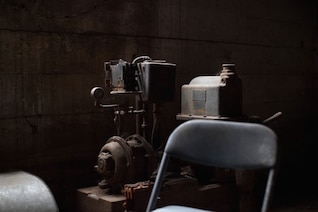 Maquinaria industrial de edad