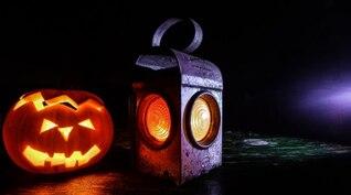 Calabaza de Halloween y linterna