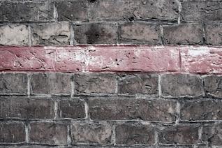 Línea roja en la pared
