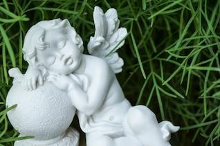 Dormir ángel blanco
