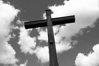 Santa cruz de madera