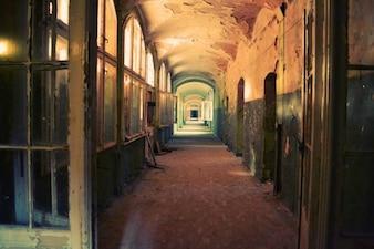 Abandonado y sala de desprendimiento