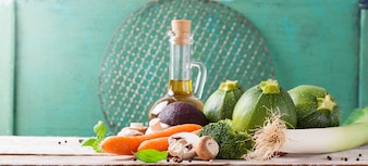 Aceite de oliva con verduras