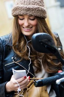 Actitud movilidad móvil tienda