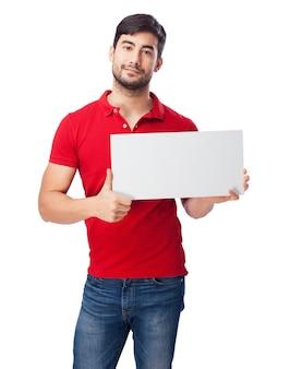 Adolescente con cartel en blanco