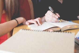Amigos Trabajo Discusión Reunión Compartir ideas Concepto