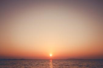 Antecedentes de la salida del sol sobre el mar