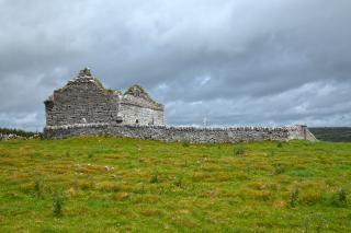 antigua capilla ruinas gris hdr