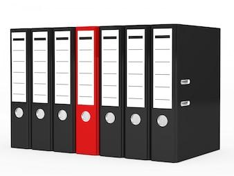 Archivador rojo rodeado de archivadores negros
