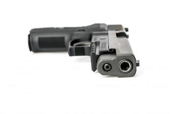 Arma aislado en el fondo blanco
