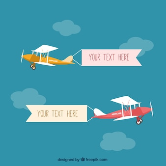 Avioneta con pancartas