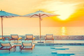 Azul blanco costa turismo de lujo