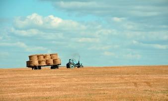 Azul tractor