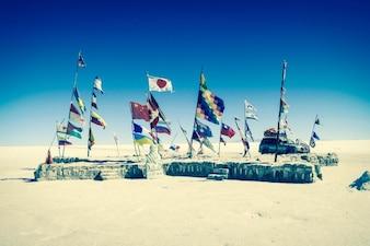 Banderas en el desierto