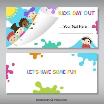 Banners divertidas con los niños y las salpicaduras