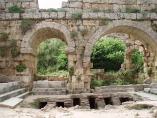 Baños romanos antiguos en Perge
