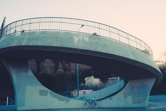 Bicicleta de la vendimia estacionado