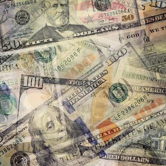 Billetes amontonados