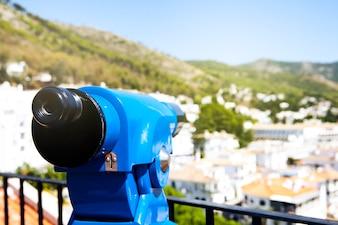 Binocular para ver el paisaje