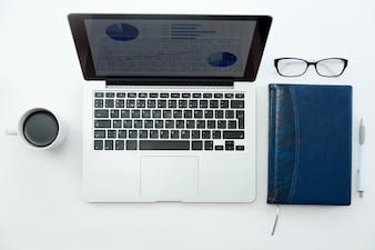 Teclado pc fotos y vectores gratis for Oficina portatil