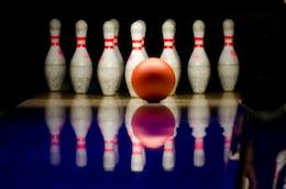 Bola y contactos de Bowling