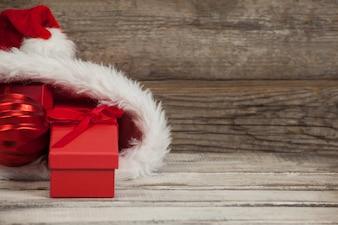 Bolsa de papá noel con regalos dentro
