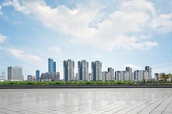 Bonito paisaje urbano con rascacielos