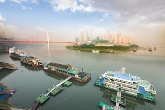 Brillantes rascacielos turismo horizonte de la arquitectura