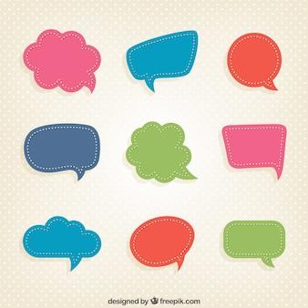 Burbujas del discurso coloridas en estilo recortable