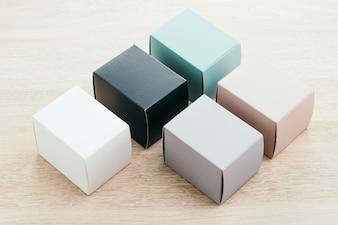 Caja de papel simulada