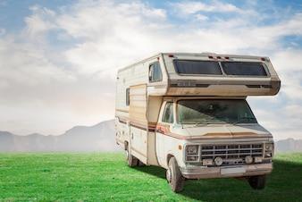 Caravana clásica al aire libre