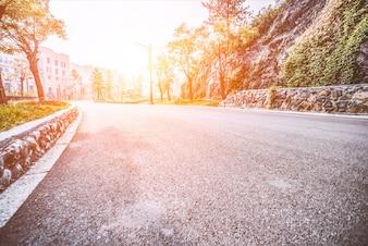 Carretera de asfalto sin tráfico