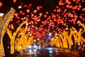 Carretera de ciudad iluminada
