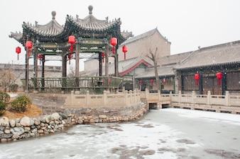 Casa china tradicional en invierno