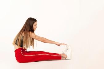 Chica deportista con flexibilidad