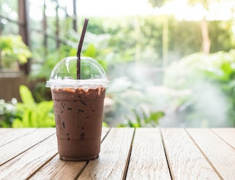 Chocolate helado en el café