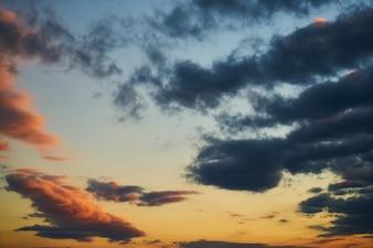 Cielo bonito al amanecer