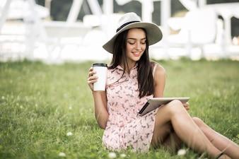 Ciudad joven teléfono mujer hipster hembra