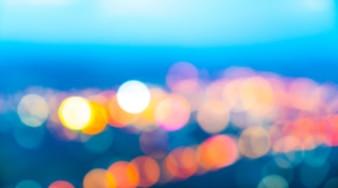 Ciudad por la noche con efecto bokeh