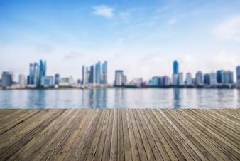 Ciudad vista desde el puerto