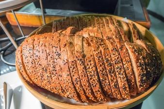 Cocina plato delicioso trozo de croissant