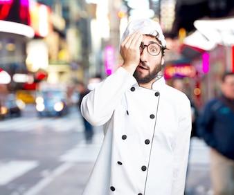 Cocinero loco preocupado expresión